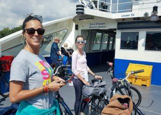 Ferry de bicicletas y pasajeros gratis Amsterdam