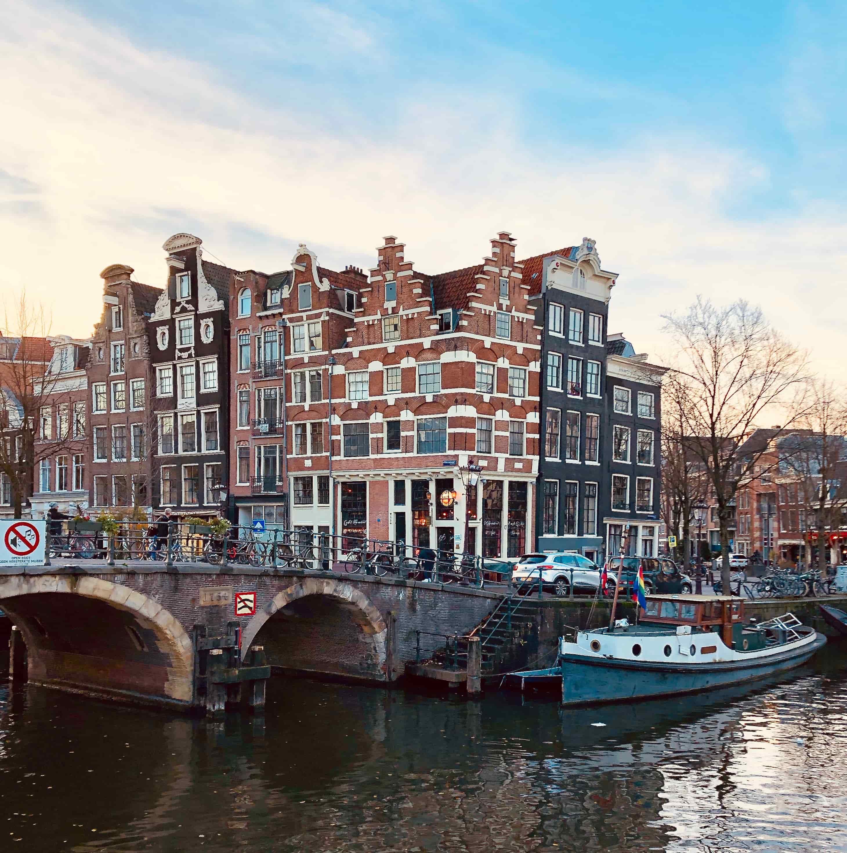Café t' Papeneiland Amsterdam